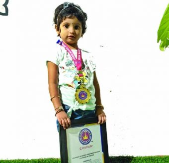 YOUNGEST & FASTEST TIME TAKEN TO SOLVE 114 PIECES OF PUZZLES (Girl)